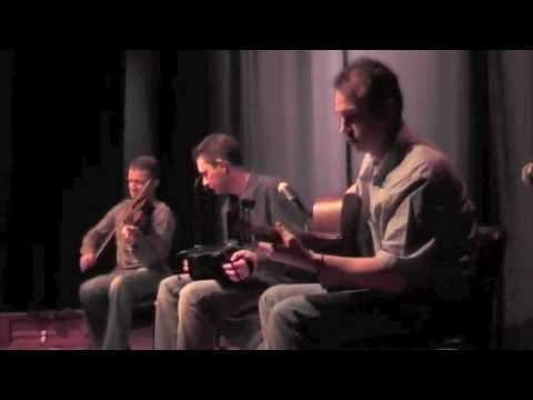 Tóla Custy, Pádraig Rynne and Paul McSherry (Breton Set)