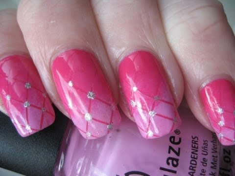 Nail Art: Gradient pink plaid