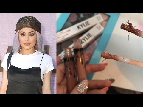 Watch Kylie Jenner's Cosmetics Company Gets an F' from the Better BusinessBureau video