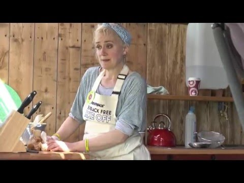 Emma Thompson and Sophie Thompson, Frack Free Bake Off - Lancashire Headline News