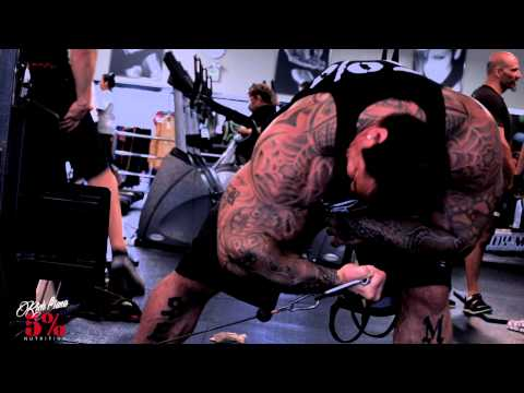 BICEP CONCENTRATION CABLE CURLS - MY FAVORITE EXERCISE - DOING