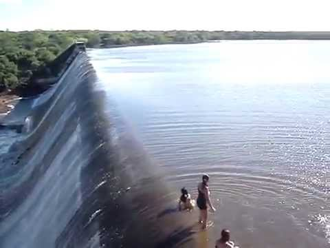 Flagrante no sangradouro da barragem do Trici em Tau. Music Videos
