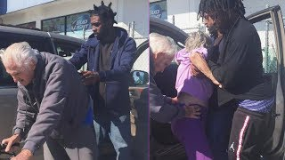 3 Men Help Elderly Couple Into Car in Touching Moment