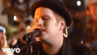 Download Lagu Fall Out Boy - HOLD ME TIGHT OR DON'T Gratis STAFABAND
