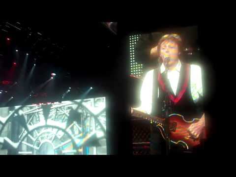 Paul McCartney in Phoenix - Marie Lacey - Oh Bla Di Oh Bla Dah & Back in the USSR Video