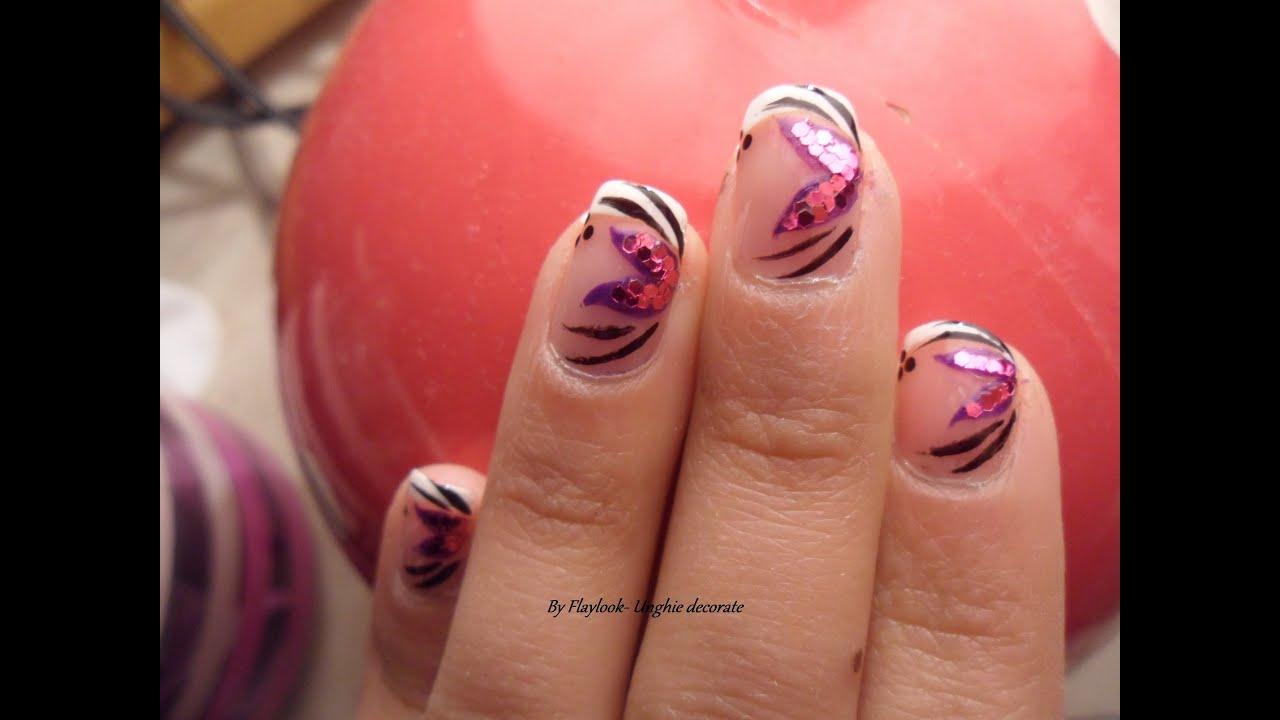 Video tutorial 9 unghie decorate con french bianca e for Immagini con i brillantini