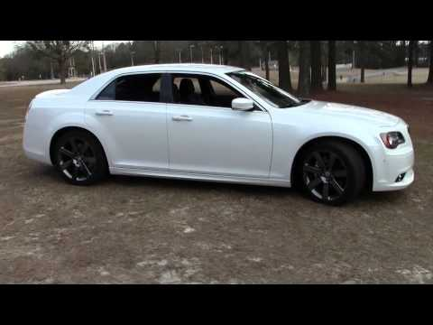 2013 Chrysler 300 SRT 8, Detailed Walkaround