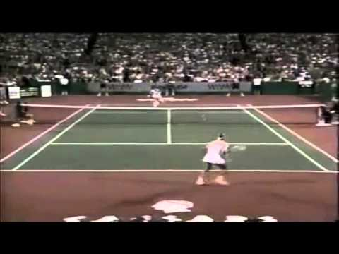 [HD] Martina Navratilova vs Jimmy Connors - Highlights