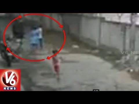 Woman Fights Chain Snatchers, Molested In R R Nagar | Bangalore | V6 News