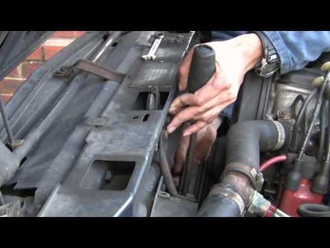 Замена ремня ГРМ Volvo 360, видео.