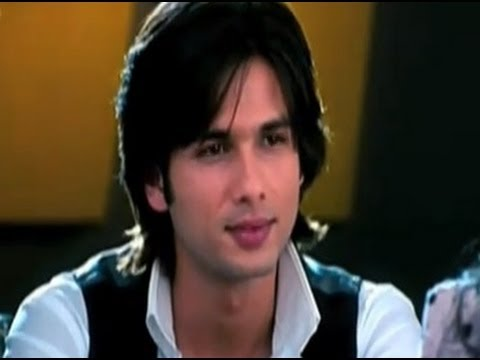 Shahid Acts Pricey With Ayesha Takia