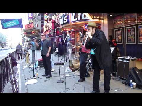 East River Blues Band.BB King's.Messin' with the Kid.2010.03.21.mp4