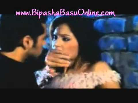 Humne Tumko Dil De Diya  - Gunaah English Subs) video