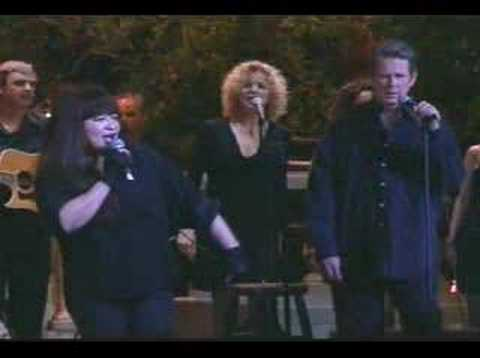 Brian Wilson & Ronnie Spector - I Can Hear Music (live 2000)