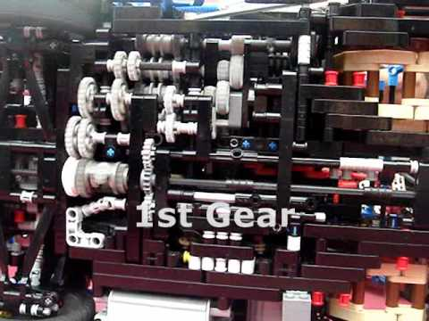 LEGO Sequential Gearbox (7+R) on a Bugatti Veyron 16.4