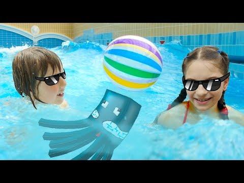 Веселые игры в Аквапарке Карибия. Видеообзор от Адриана и Светы.