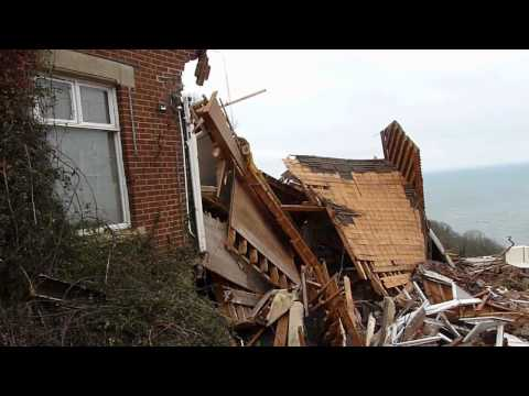 Fail: Landslip demolished £1.5 Million Ridgemont House in Babacombe Torbay  (Aftermath)