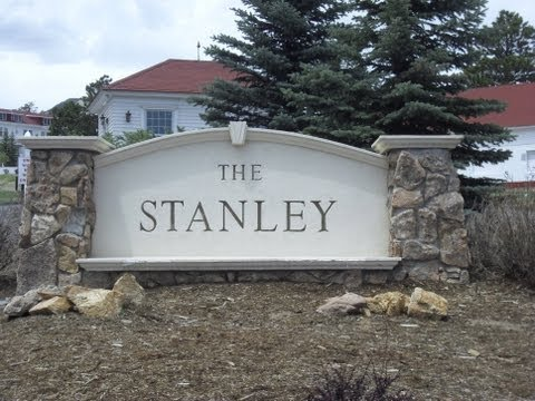 A drive through Estes Park to the Stanley Hotel in Colorado