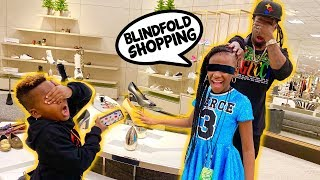 BLINDFOLD CHRISTMAS SHOPPING!  No Budget Challenge