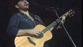 Watch Chris Young Lay It On Me video