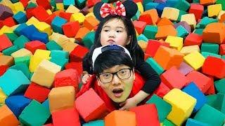 알록달록 블럭이 있는 키즈카페에서 신나게 놀아요! Indoor playground