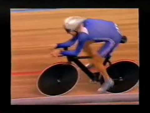 YouTube   Bradley Wiggins's Individual Pursuit Gold Medal at the 2004 Olympics