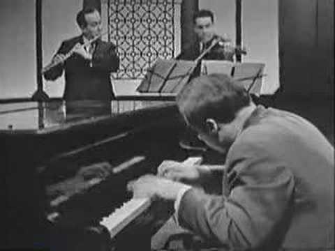 Glenn Gould - Bach's Brandenburg Concerto No.5  (3 of 3)
