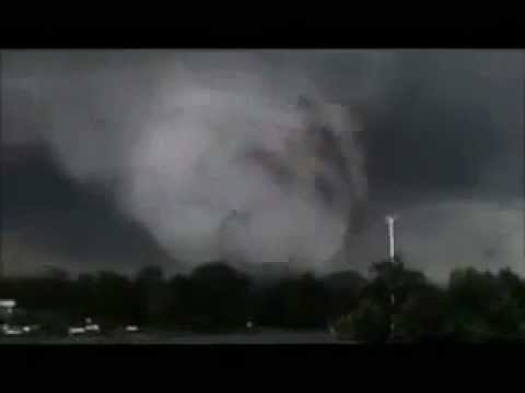 image vid�o مشهد مرعب لإعصار ساندي في نيويورك