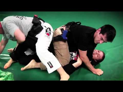 тренировка копов на примере бойца MMA