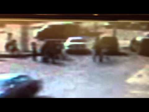 ghetto street fighting in daylight hours Image 1