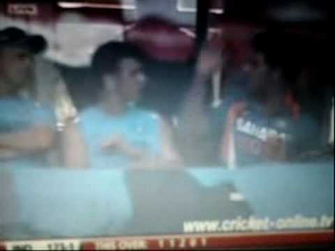yuvraj and dravid fighting