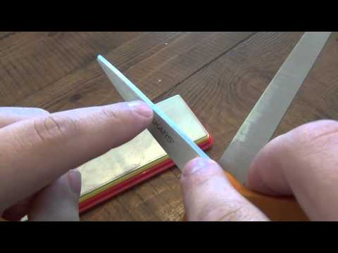 How To : Sharpen Scissors