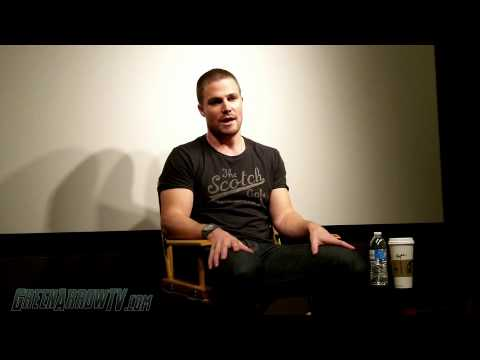 Stephen Amell Interview - Talking About Arrow Season 2