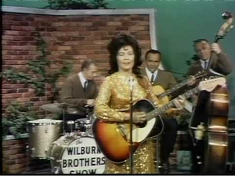 Loretta Lynn - Get What