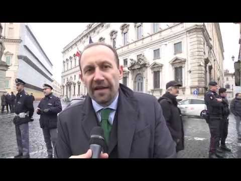 Pensioni - Paolo Arrigoni protesta davanti alla consulta