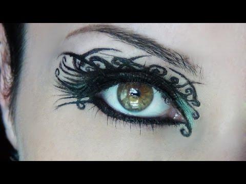 Arabesque Liner Makeup