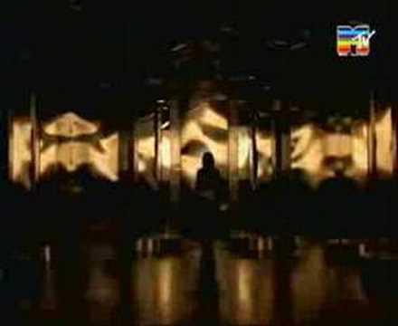 Laura Pausini - Surrender