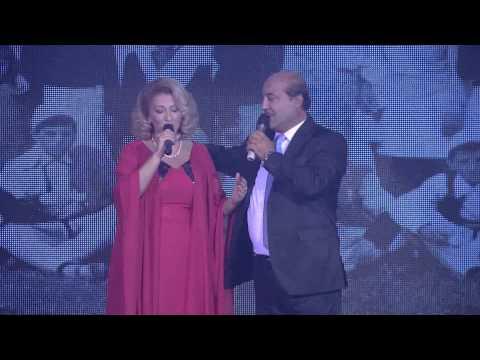 Shkurte Fejza & Bujar Qamili - Bashke Me Kengen Jemi Rrite video