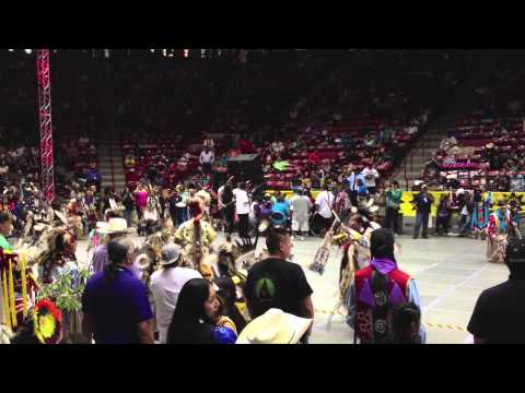 Teen Boys Traditional Special - 2013 Gathering Of Nations Powwow video