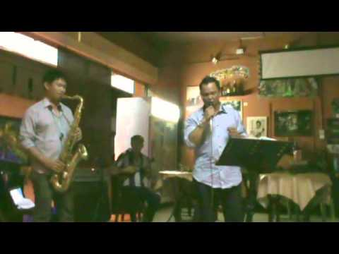 IZIAU TOPUT TUUNDUNDU KU - Richard Jimmy with saxophone and ukulele