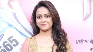 Sri Divya talks about her experience in Eetti