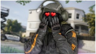 When a Girl Plays Rainbow Six Siege
