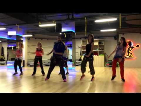 Demir Tozlarıyla Dans Gösterisi