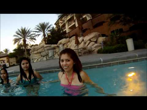 Girls Learning How To Swim. UnderWater Mermaid SeaWorld. Swimming Pool. GoPro 960 HD. VLOG