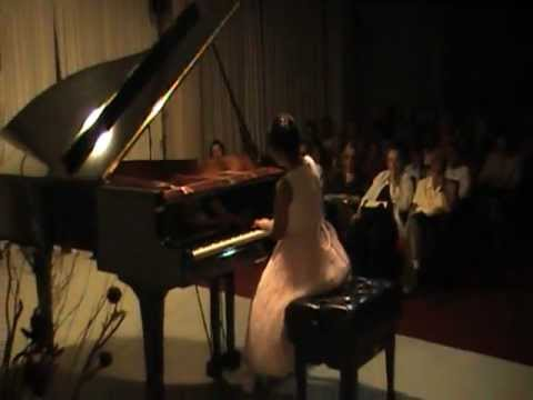Victoria Young plays Debussy&#39;s Children&#39;s Corner
