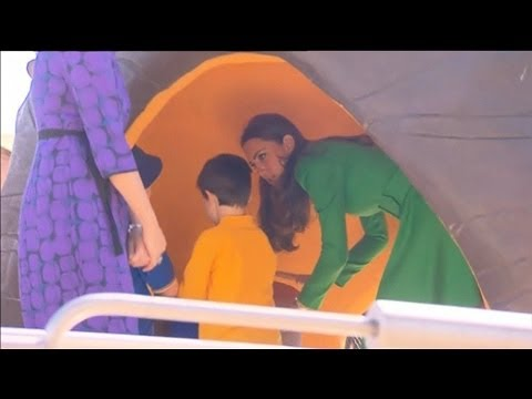 Prince William And Kate Play In The Pod Playground video