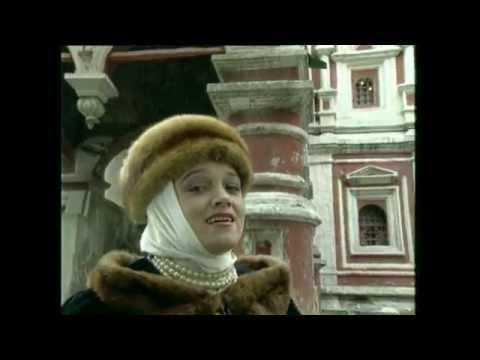 Смотреть клип Золотое Кольцо и Надежда Кадышева - У церкви стояла карета