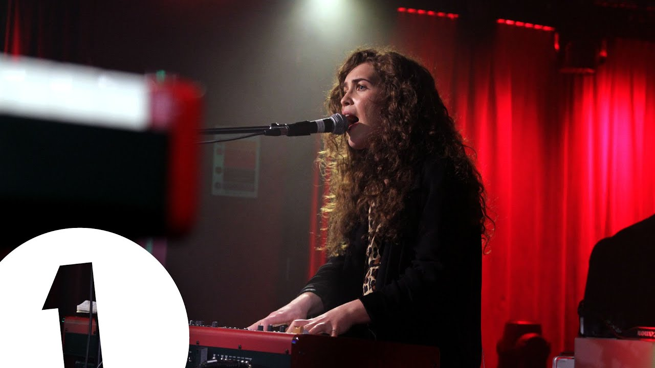 Rae Morris - Stay Another Day