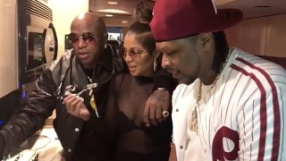 "Toni Braxton ""Bakes 2 Cakes For Birdman's Birthday"""
