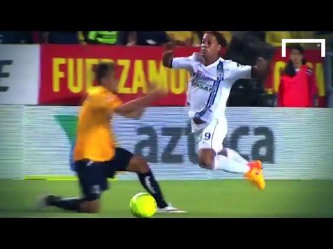 Ronaldinho's obvious dive